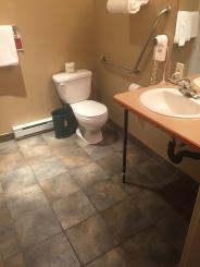 Pentiction Hotel Accessible Bathroom
